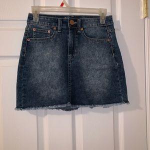 NO BO mid rise jean skirt